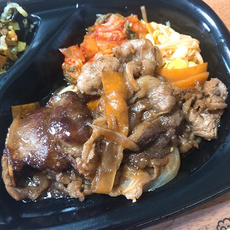 牛バラ肉、豆もやし、キムチ